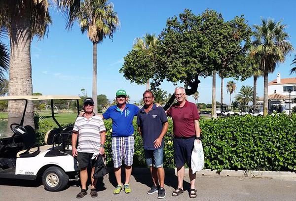 Spil golf, når du ikke sidder på skolebænken på Costa del Sol